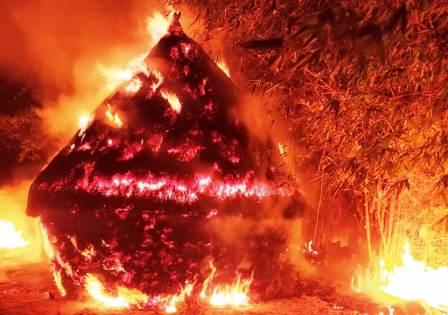 Fire in the barn ash of 2 bighas of wheat including 3 clusters of nebari • Nalanda Darpan / नालंदा दर्पण : गाँव-जेवार की बात। • गाँव-जेवार की बात।