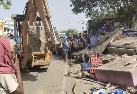 In the name of encroachment the bulldozer has run on the livelihood and livelihood of the poor 3 – Nalanda Darpan / नालंदा दर्पण : गाँव-जेवार की बात। – गाँव-जेवार की बात।