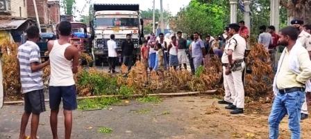 Chandi Nursarai road jammed for hours due to drain gali then sleepiness of BDO CO broken